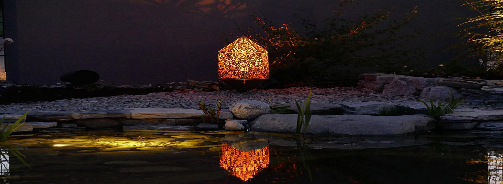 Sacrea Produkt-Bild: 1-home-header-skulpturen-poller-teich
