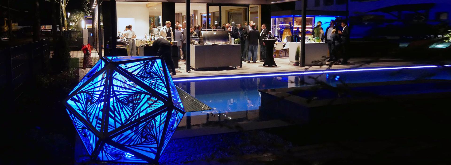 Sacrea Produkt-Bild: 1-home-header-skulpturen-pool
